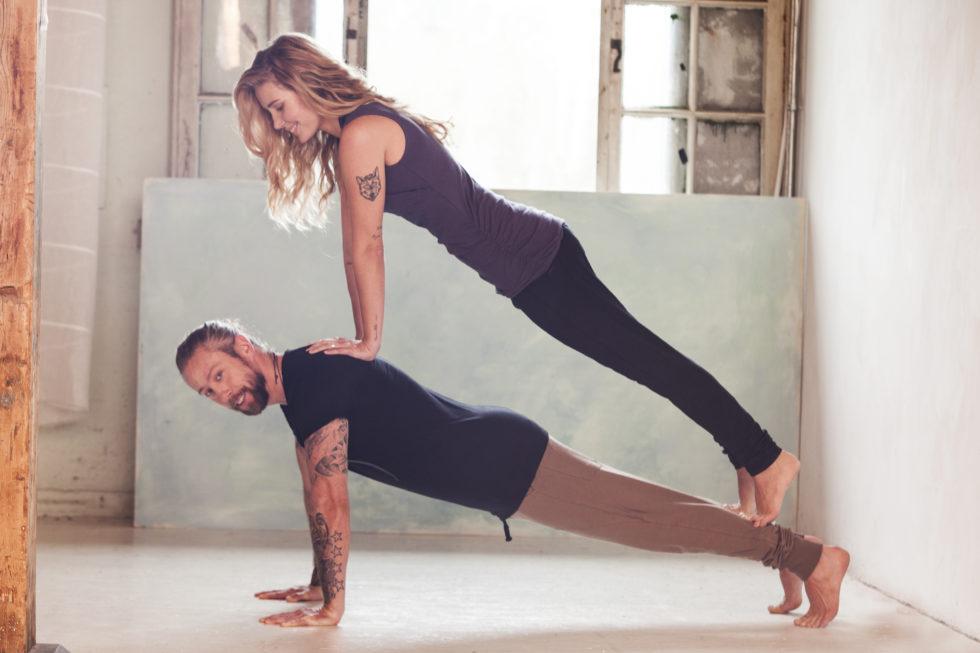 Partner yoga voor power koppels